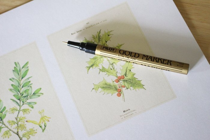 drawing gold rim around a vintage christmas image