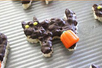 Halloween rice krispie treats recipe - Dark chocolate
