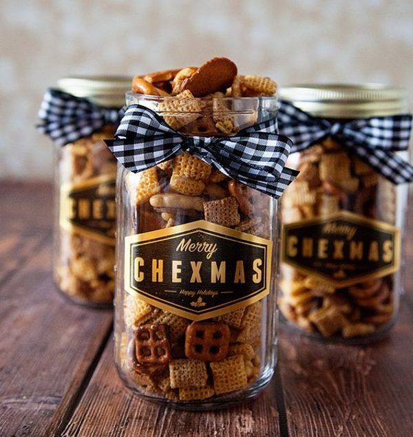 chex mix in mason jar for easy christmas gift