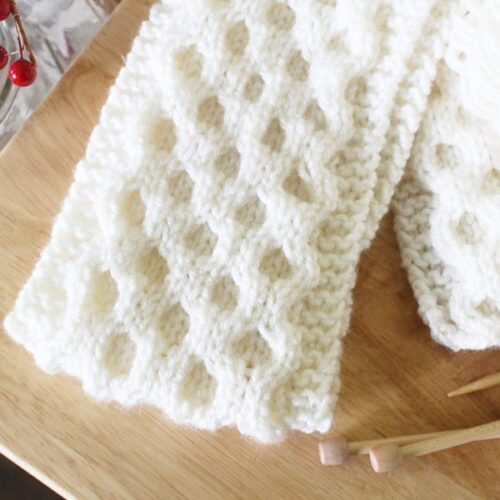 Honeycomb cable knit scarf pattern