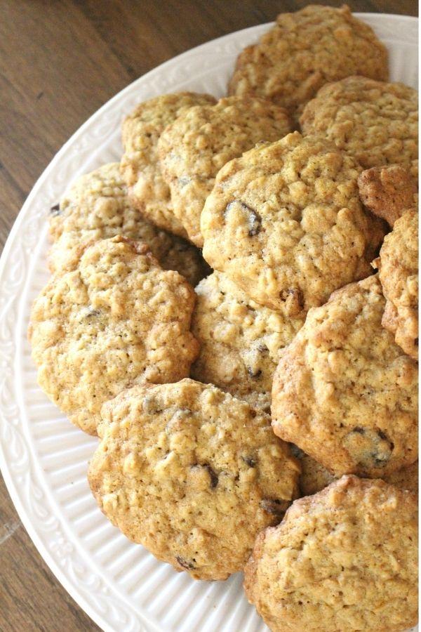 einkorn oatmeal raisin cookies