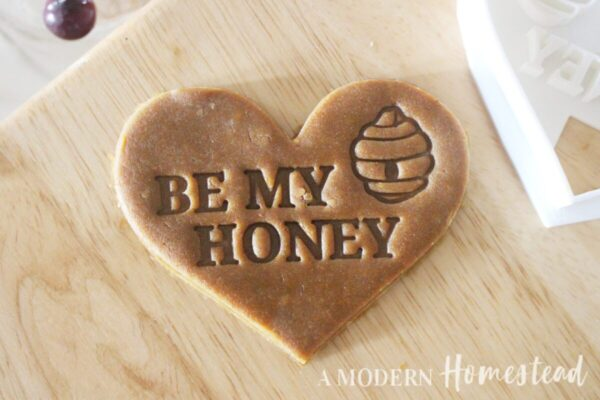 Be My Honey Cookie Cutter/Cookie Stamp