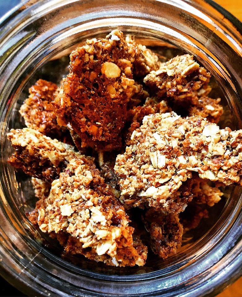 cracklin granola