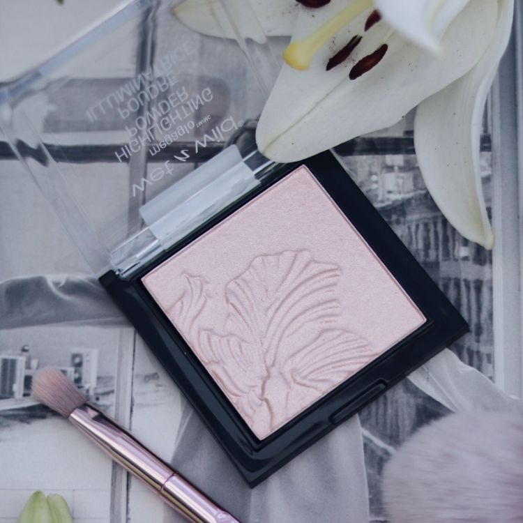 Wet N Wild Highlighter Blossom Glow