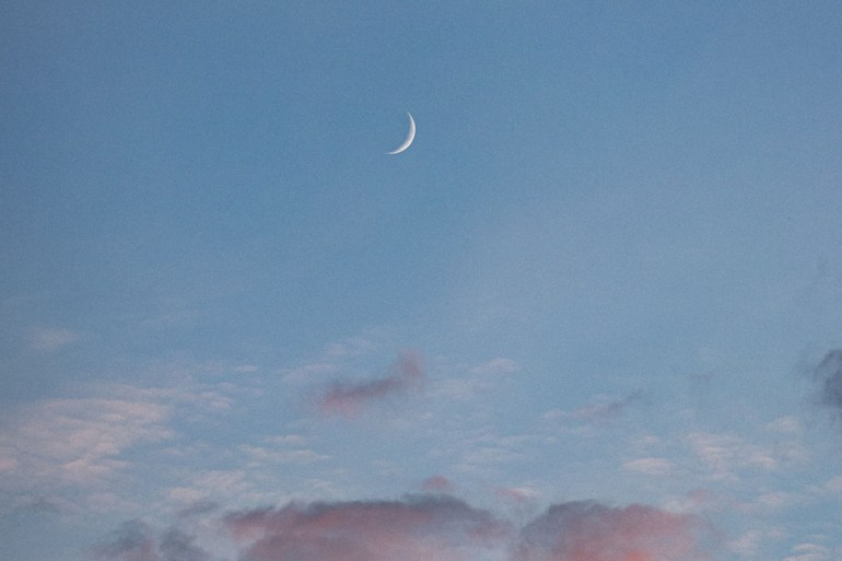 weekly horoscopes, moon during dusk