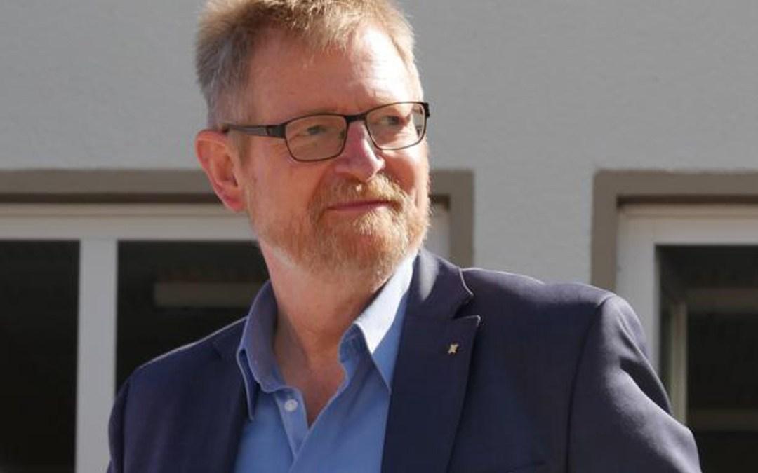 Eine Ära an der Stiftsschule geht zu Ende: Hans-Georg Lang – Der Schulleiter geht von Bord von Arnd Köpcke
