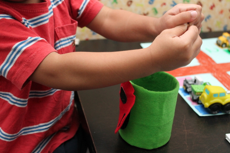 'Feed the Ladybird': Fine-Motor Activity for Toddlers (4/6)