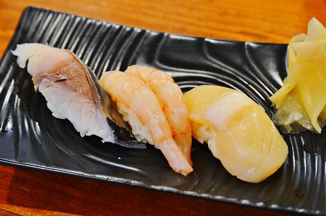 魚壽司, 沖繩美食推薦, 沖繩便宜壽司, 那霸公設市場
