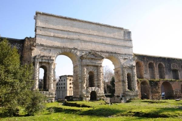 Ultimate guide to 31 ancient sites and Roman ruins in Italy
