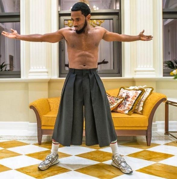 Dbanj performs in his skirt