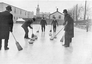 Men_curling_-_1909_-_Ontario_Canada