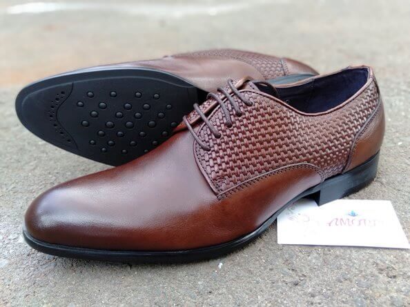 Coffee side meshed suit shoe