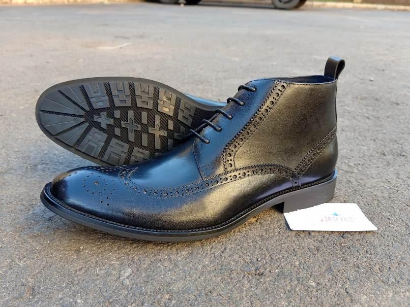 Black oxford boot