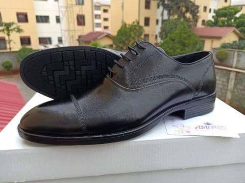 Black front line shoe