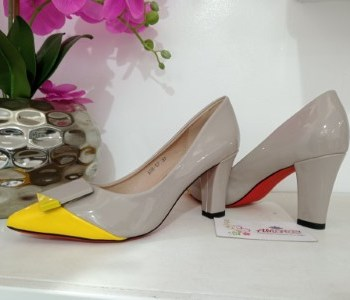 Beige block heel with yellow front tip
