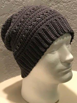 crochet slouchy hat pattern - winter hat - beanie crochet pattern - amorecraftylife.com #hat #crochet #crochetpattern