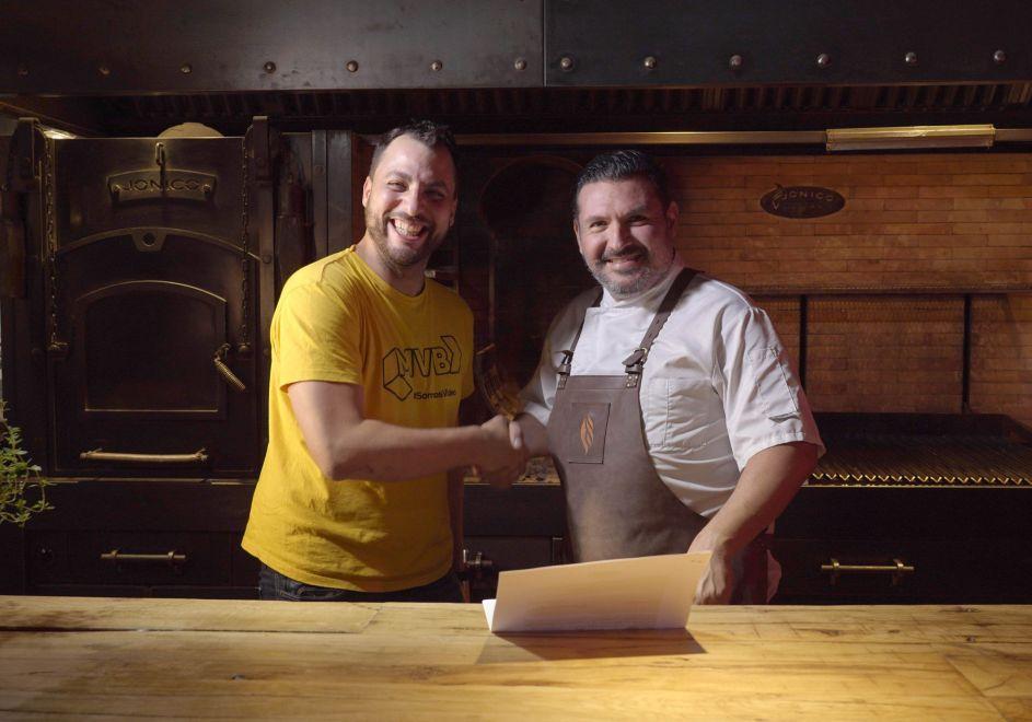 Acuerdo de producción entre Martín Velasco y Javier Brichetto para la grabación de A Morfar! Todo sobre la #BBQ