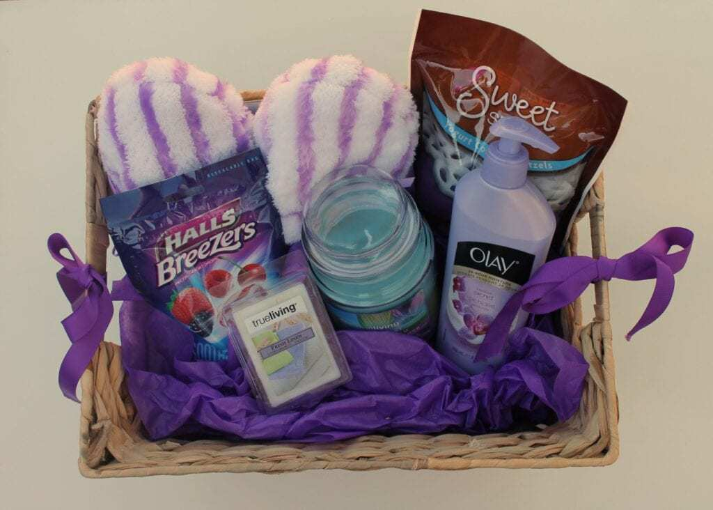 how to create an elderly gift basket