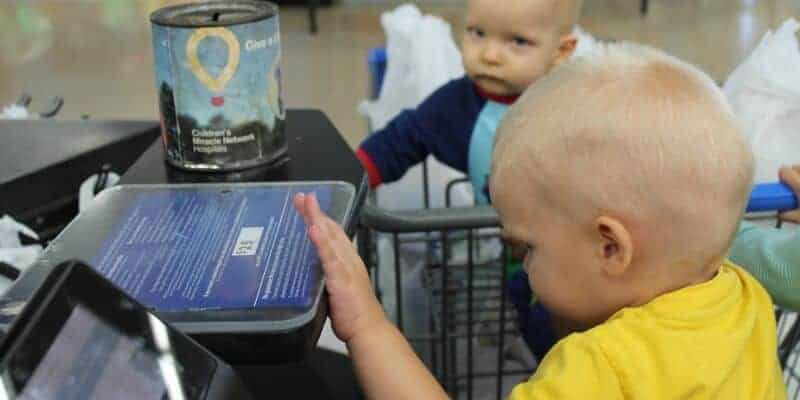 kids at a checkout