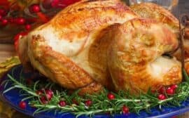 Hosting a Thanksgiving or Christmas dinner for your family? Here are some tips to make it run smoothly.
