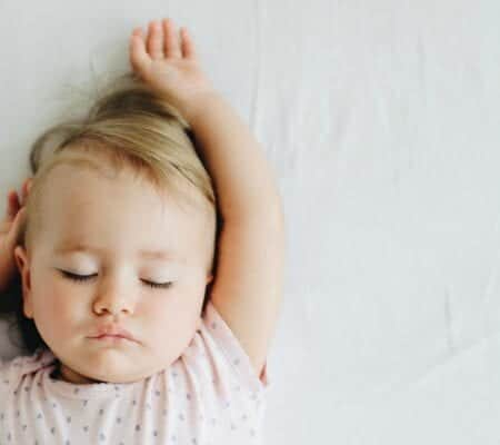 A No-Fuss Guide To Sleep Training (With Printable!)