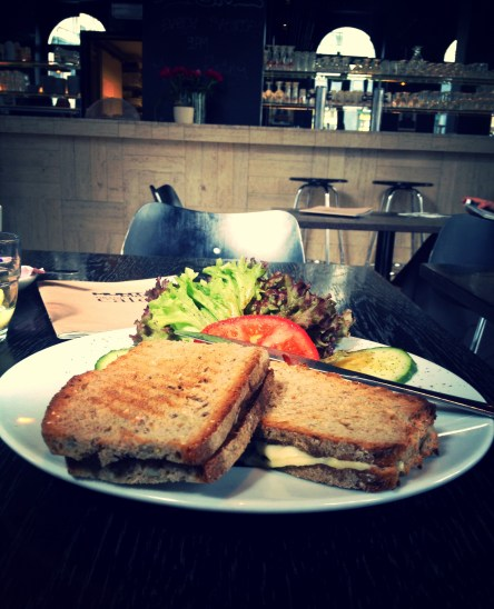 The traditional croque-monsieur