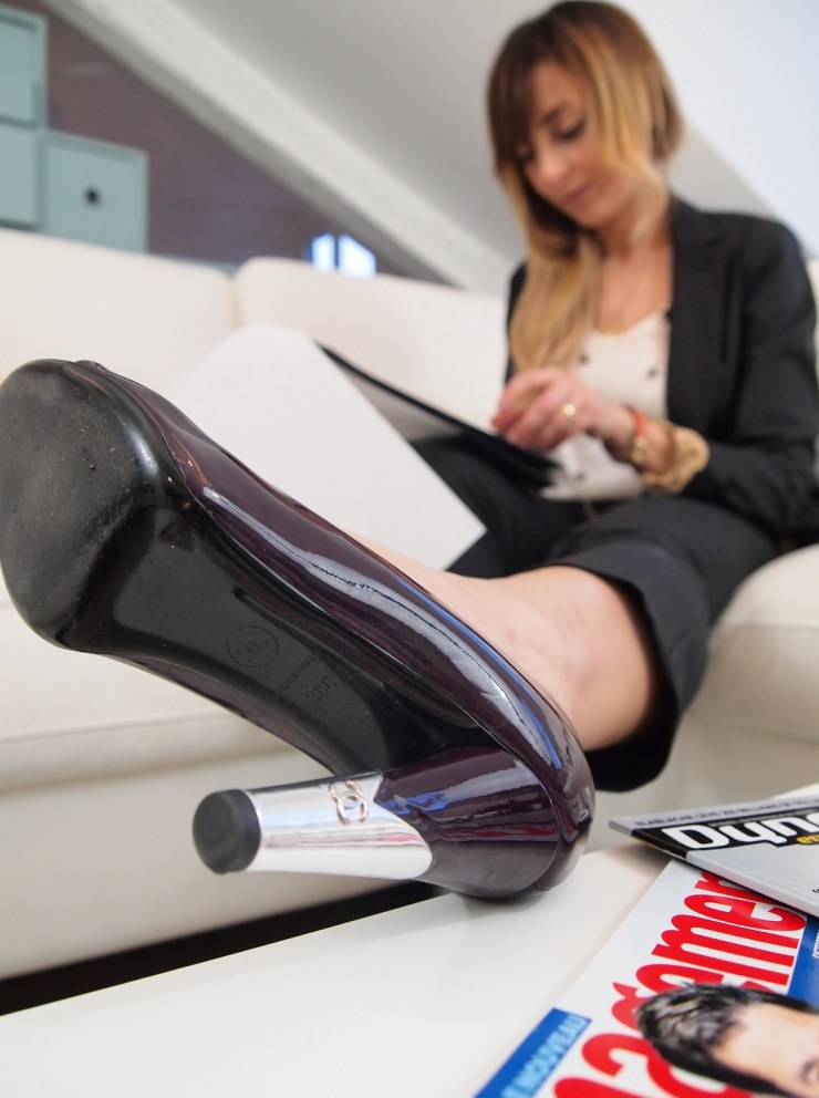 amourblogetbeaute-comment-s-habiller-pour-un-entretien-d-embauche-tailleur-chanel-2.