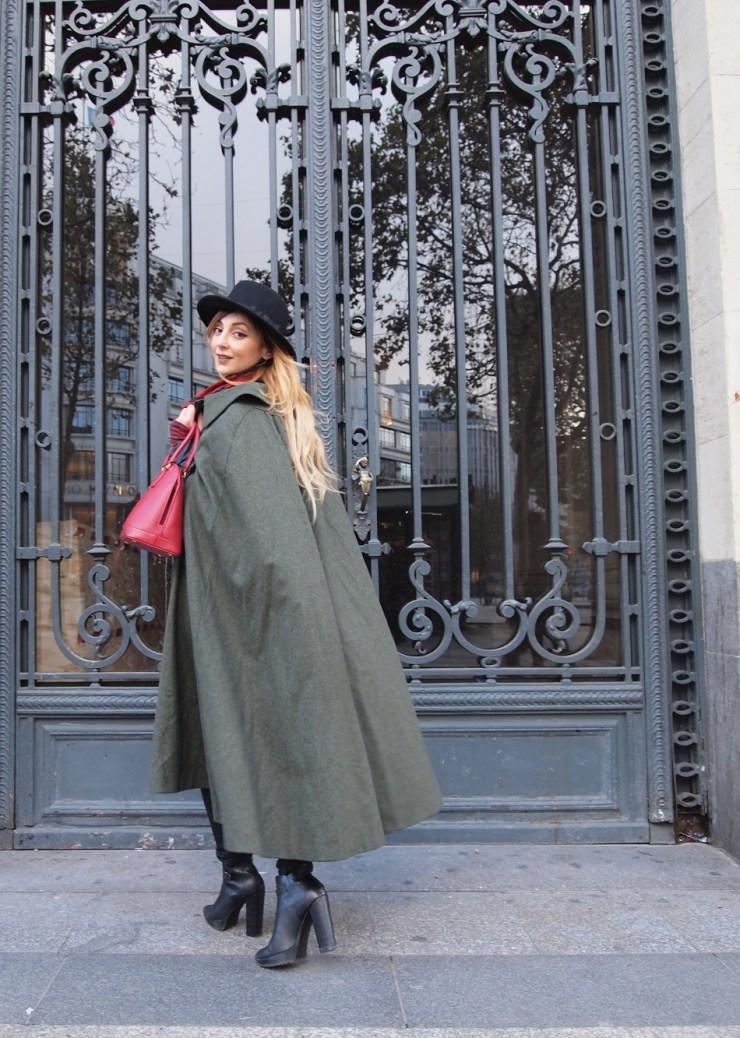 amourblogetbeaute aurora cape vintage look porte Paris