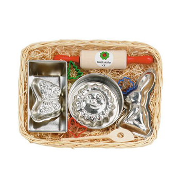 Baking set with Rabbit mould in cane basket 34 x 21cm