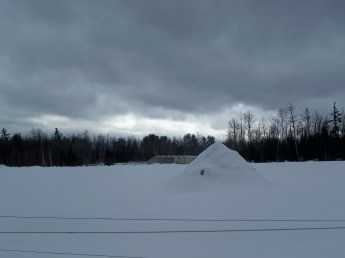 snowshoeing5march2011backofspringledgefarms
