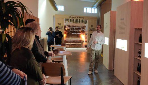 Catas de cervexa e cursos de tiraxe gratuítos con Alhambra degustadores