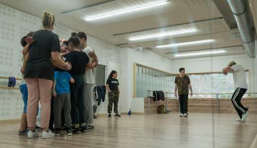 O 85 Corpos fainos bailar para celebrar o Día Internacional da Danza