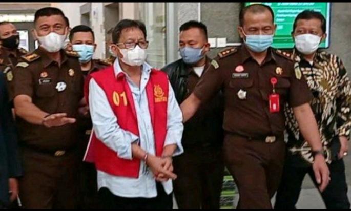 Mantan Bupati Muara Enim periode 2014-2018, Muzakir Sai Sohar ditetapkan tersangka dan ditahan di Rutan Pakjo Palembang, Senin (23/11/2020).