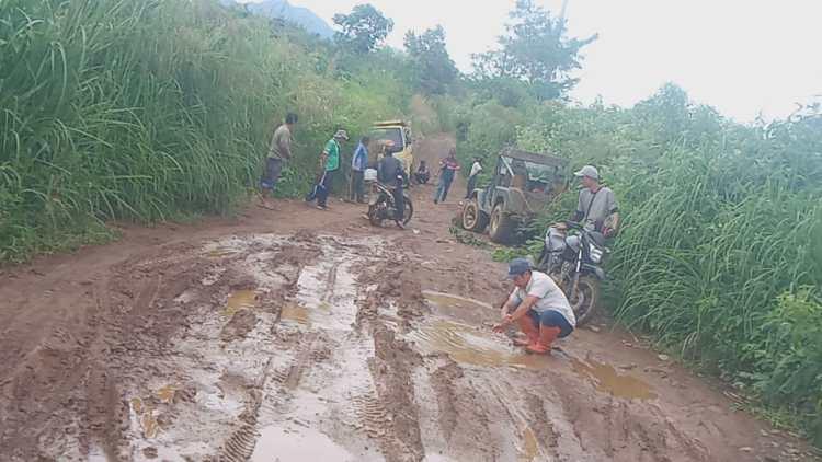 Kondisi Jalan Desa Pematang Pauh