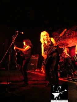 GIRLSCHOOL 4