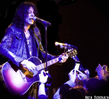 Tom Keifer And John Corabi: Telling Stories At B.B. Kings - New York City
