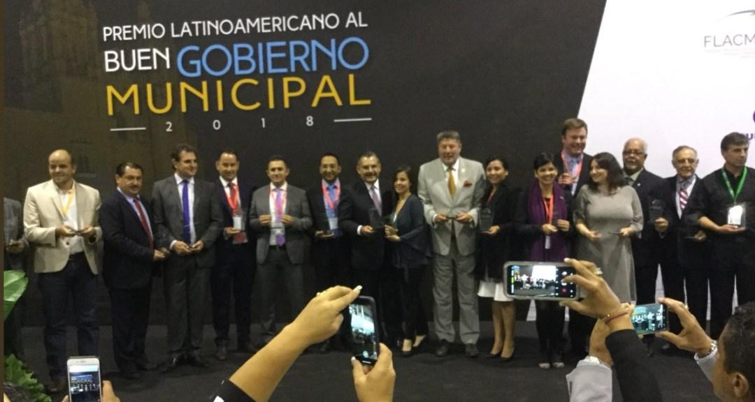 Premio Buen Gobierno Municipal 2018 entregado por FLACMA en Punta del este, Uruguay.