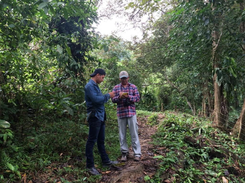 Toma de datos de Campo durante los procesos de Investigación Científica en los ecosistemas especiales de Puerto Cortes.