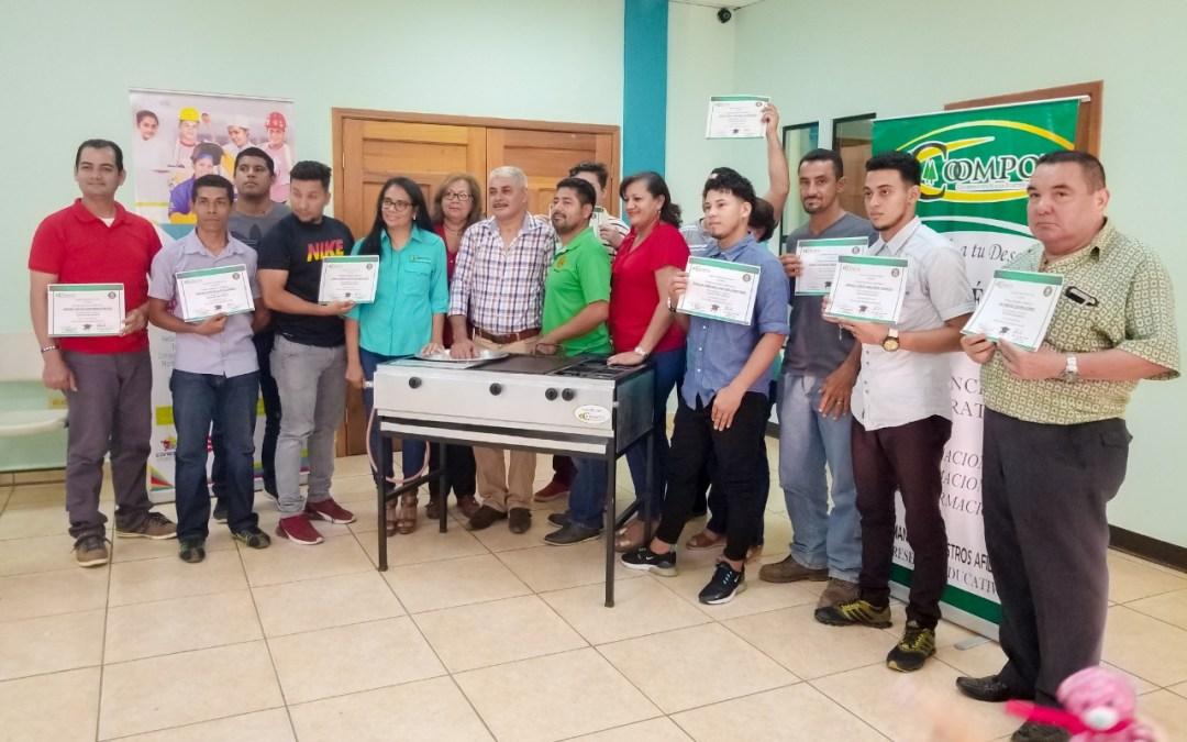 Escuela Taller entrega 12 soldadores al municipio.