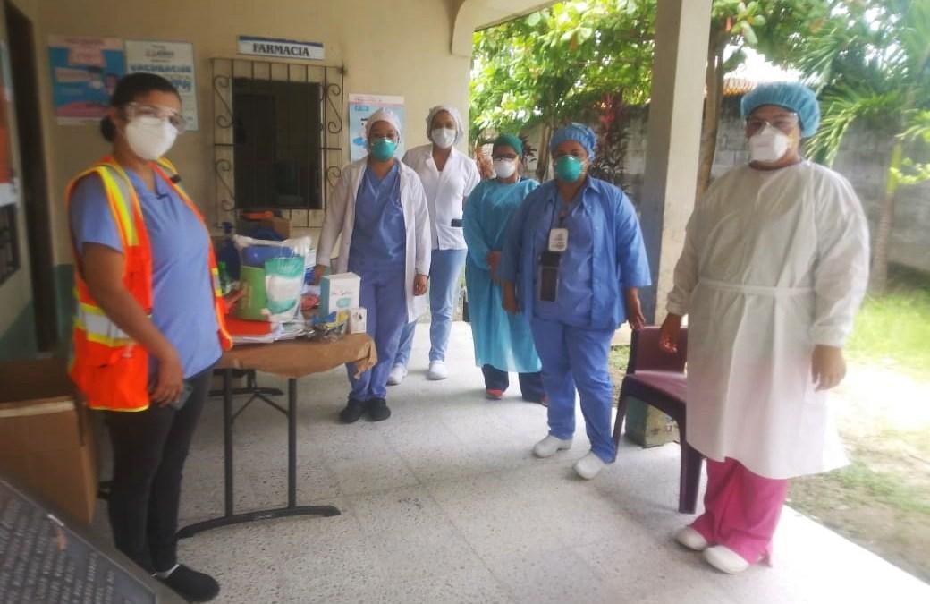 Reforzamos los Centros de Salud, con personal e insumos.