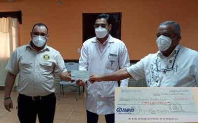 Entregamos L. 120,000.00 al Hospital de Área con fondos de la Tasa de Salud.
