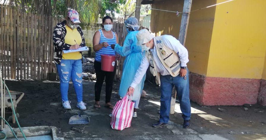 Gracias al Programa HACER Entregamos ¨Kits¨ de Higiene en albergues y hogares.