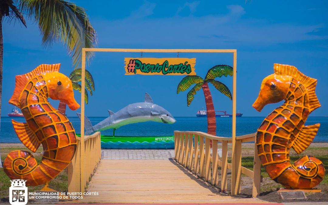En el marco de la Feria Agostina entregamos Parador Fotográfico en la Playa de Barrio El Porvenir.