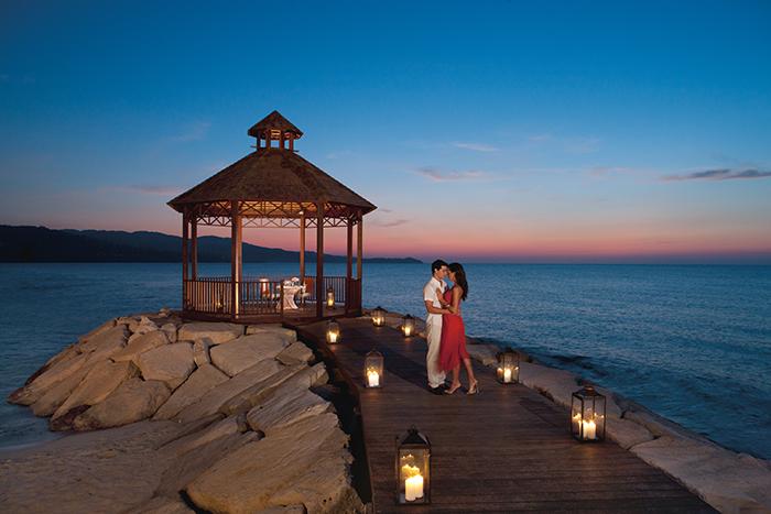 SEMB_Romantic-dinner_1.jpg