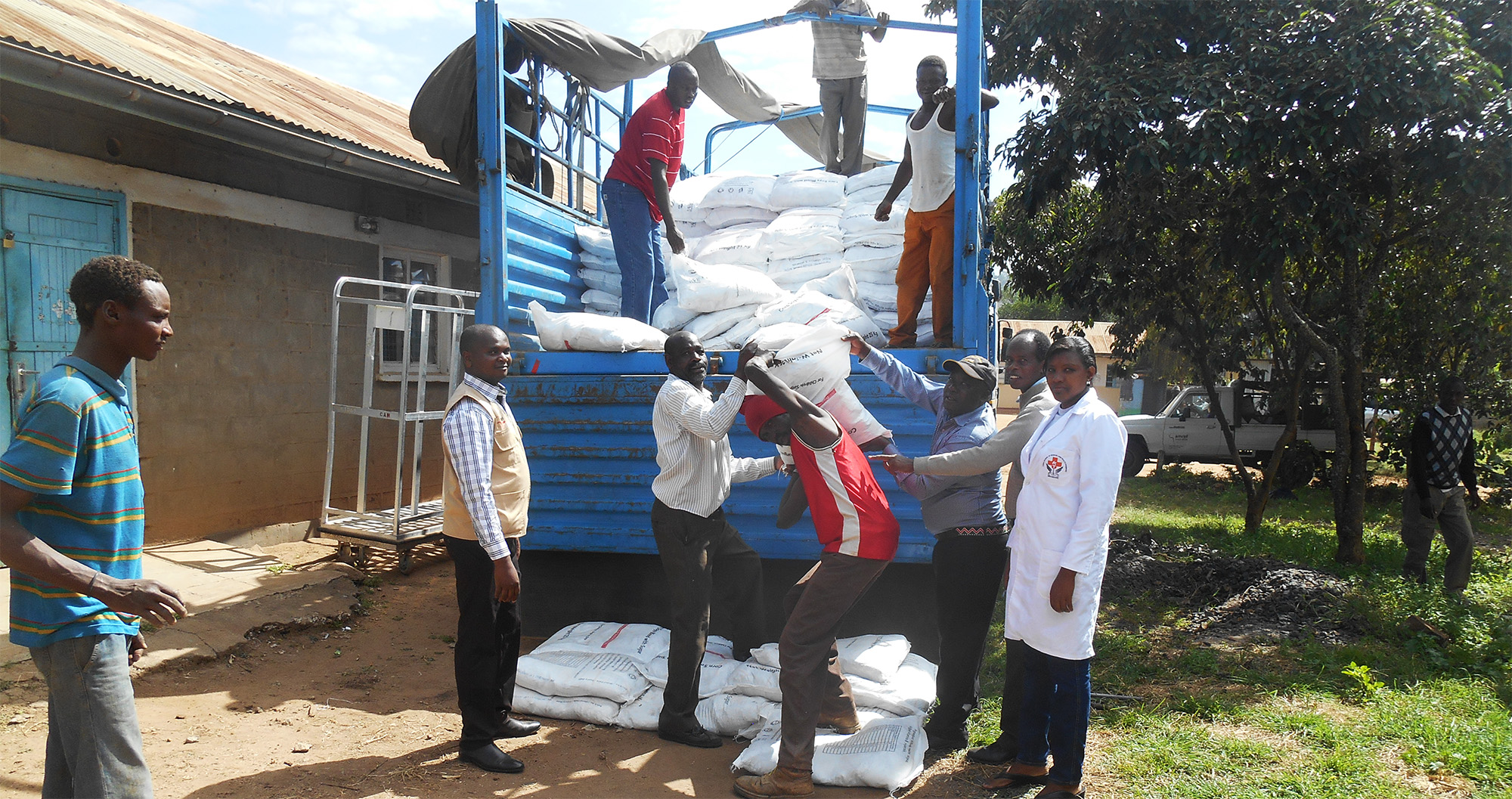 Amref Health Africa Distributes supplementary food to Samburu residents