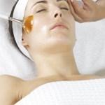 Een chemische peeling voor huidverbetering