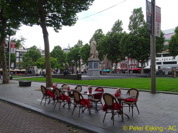 Terras op Rembrandtplein-600×450-PE-wm