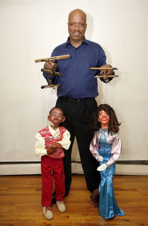 Bruce Cannon's puppet magic (40325)