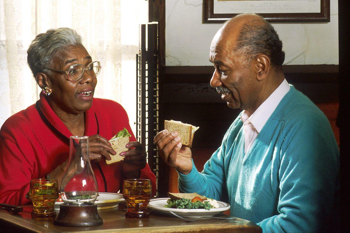 Elderly couple (170639)