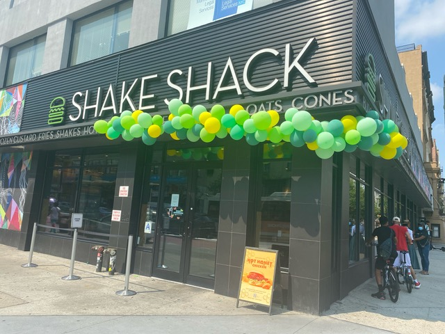 Shake Shack on 125th Street (307619)